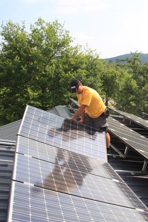 Solateur Montage Photovoltaikanlage