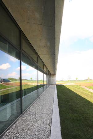 Solera Firmengebäude Glasfassade Büroräume