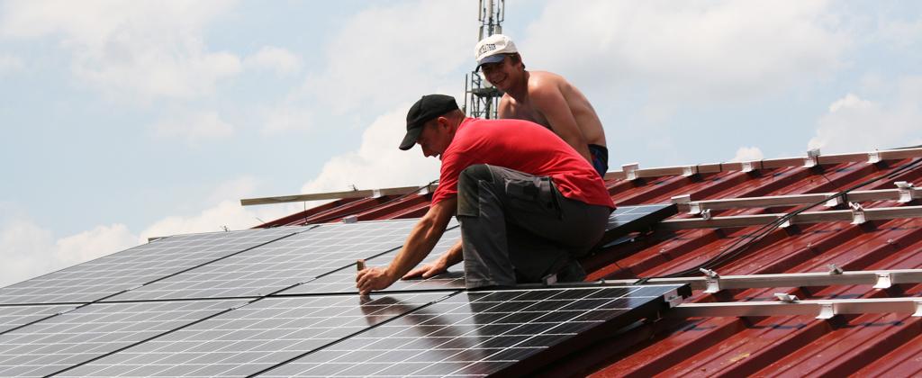 Aufdach Photovoltaik Montage