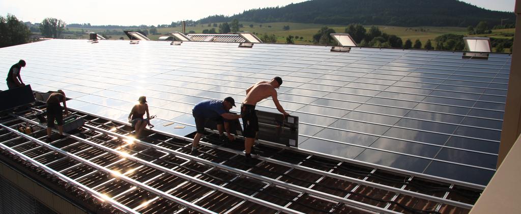 Gewerbe Photovoltaik-Anlage Montagearbeiten