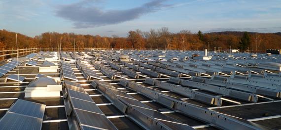 Gewerbe Photovoltaikanlage auf Flachdach