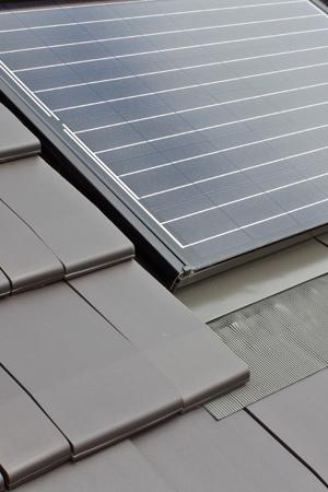Indach Photovoltaik-Anlage Detailaufnahme