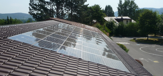 Indach Photovoltaik-Anlage Gebäudeansicht